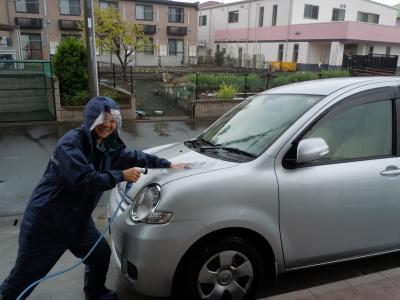 ひろちゃん 洗車中